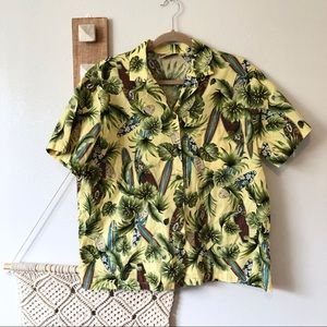 Hilo Hattie Womens Surfer Hawaiian Button Up Shirt